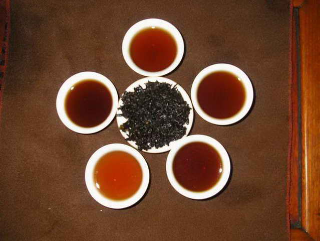Yunnan Black Tea Tasting