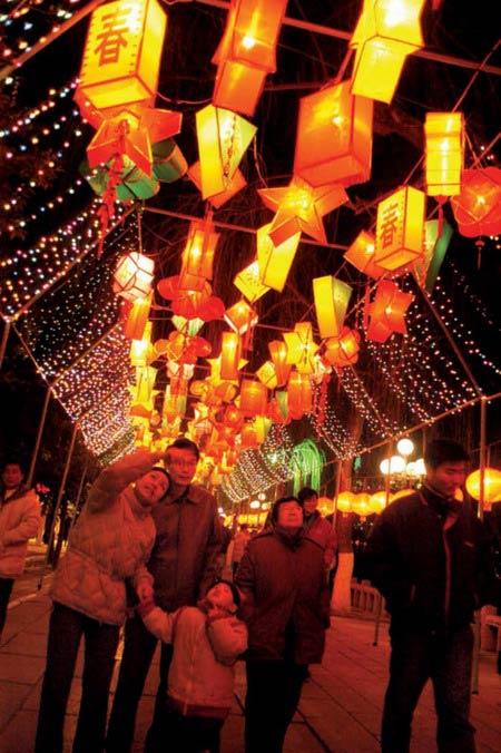 Chinese Lantern Festival-Shows of Lantern
