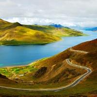 Yamdrok Yumtso Lake