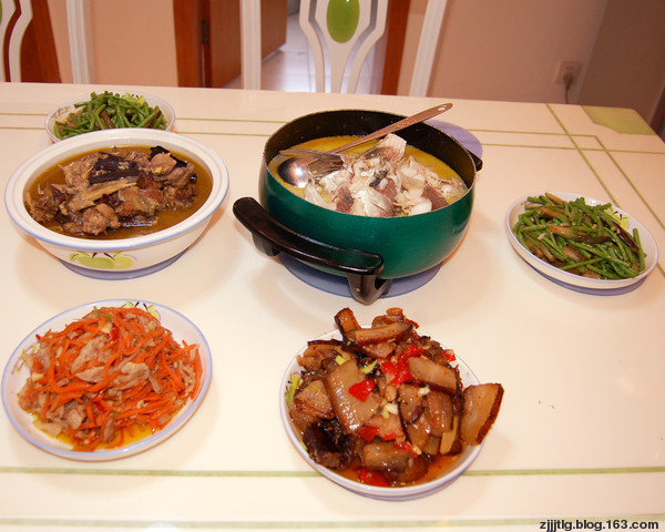 The common Tujia dishes